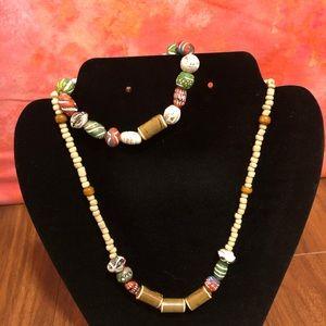 Necklace bracket set